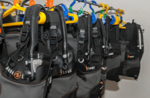 With full equipment from Aqualung for up to 30 divers